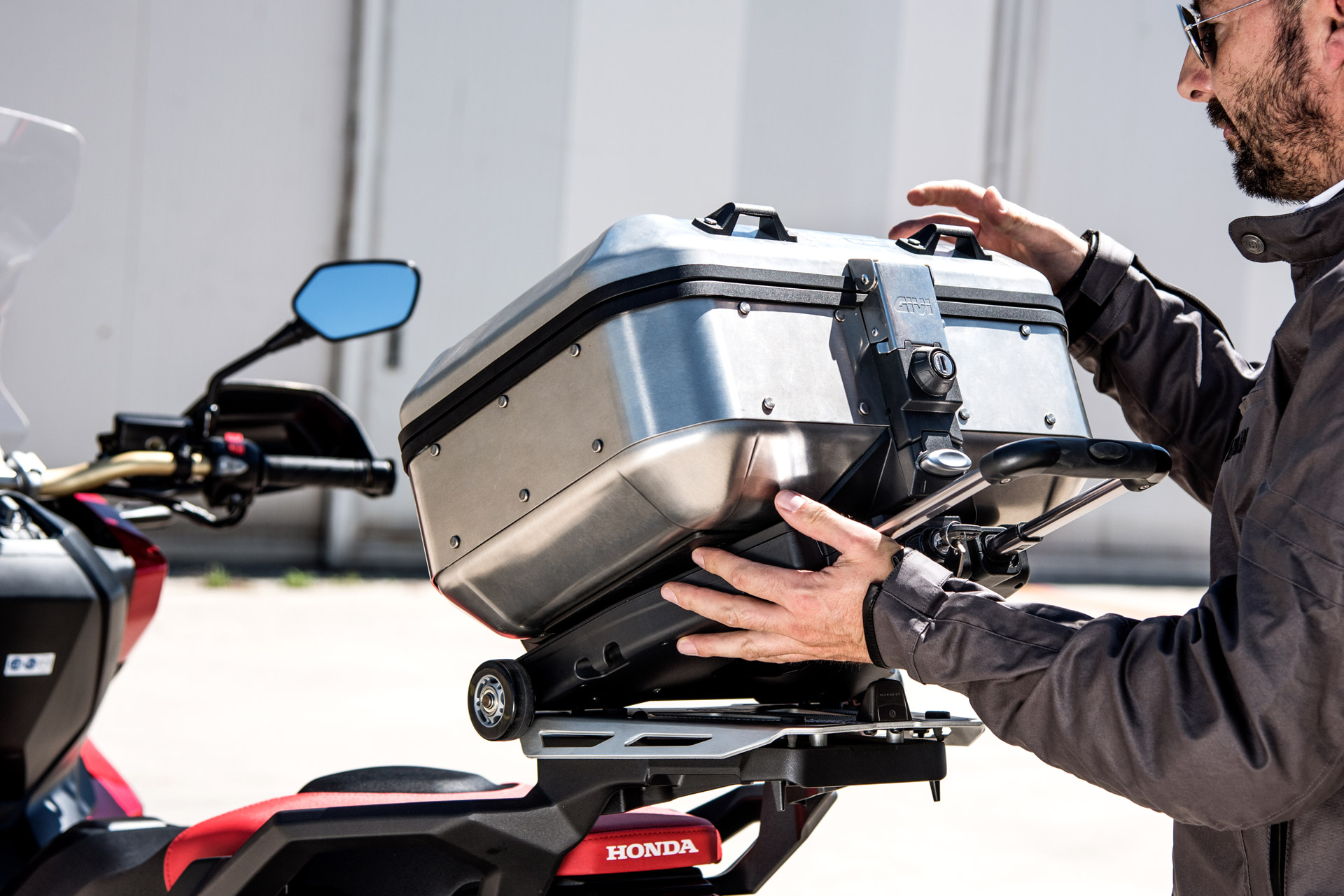 THE+NEW+S410+GIVI+TROLLEY+HAS+JUST+ARRIVED%21